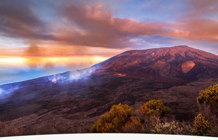Souvenir d'un survol en hélico du Piton de la fournaise en eruption avec Mafate hélicoptère réunion
